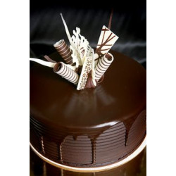 Simple and Delicious Chocolate Cake Decorating Ideas