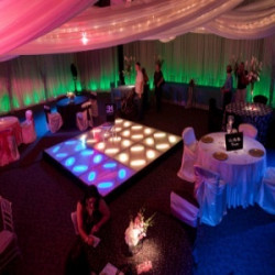 7 Simple Ways to Throw an Amazing Engagement Party
